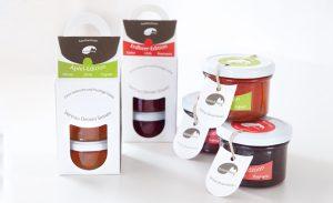 Personalisierte Geschenkverpackungen und Corporate Design. Die neue Food-Marke erhält einen attraktiven Auftritt für den POS. Entwickelt und betreut von DEERNS und JUNGS DESIGN, Designagentur Köln.