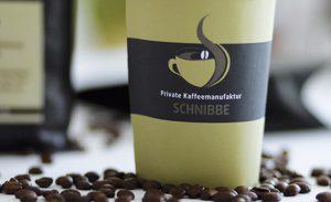 Logo-Entwicklung, Corporate Design Entwicklung, Strategie-Beratung, Namens-Entwicklung, Packaging-Design. Den Relaunch der Kaffee-Manufaktur entwickelt und betreut DEERNS und JUNGS DESIGN, Designagentur Köln.